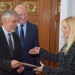 W imieniu Małgorzaty Adamek, dyrektor Barbara Ciecierska