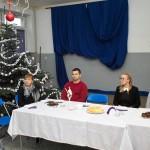 Dyrektor szkoły, pani Barbara Ciecierska, wita gości